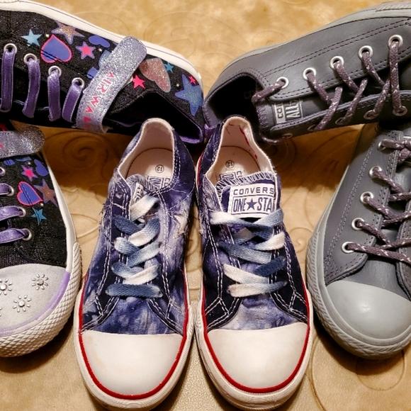 4 pairs Girl' Shoes 2 Converse /1 AIRWALK /1 Lilli